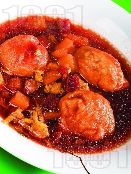 Постна супа борш с червено цвекло и ушки - снимка на рецептата